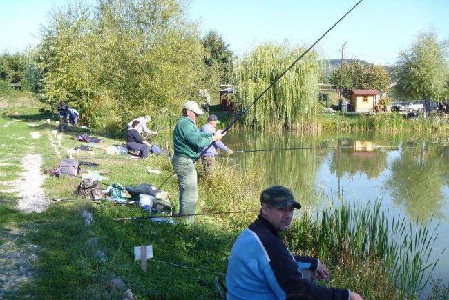 În luna octombrie, la Râmnic se va organiza un campionat naţional de pescuit