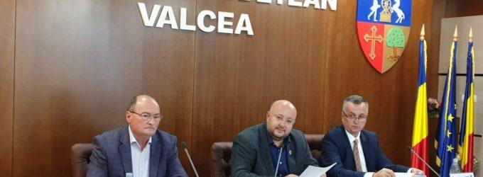 Şedinţă cu scântei la Consiliul Judeţean: liberalii acuză împărţirea fondurilor pe criterii politice