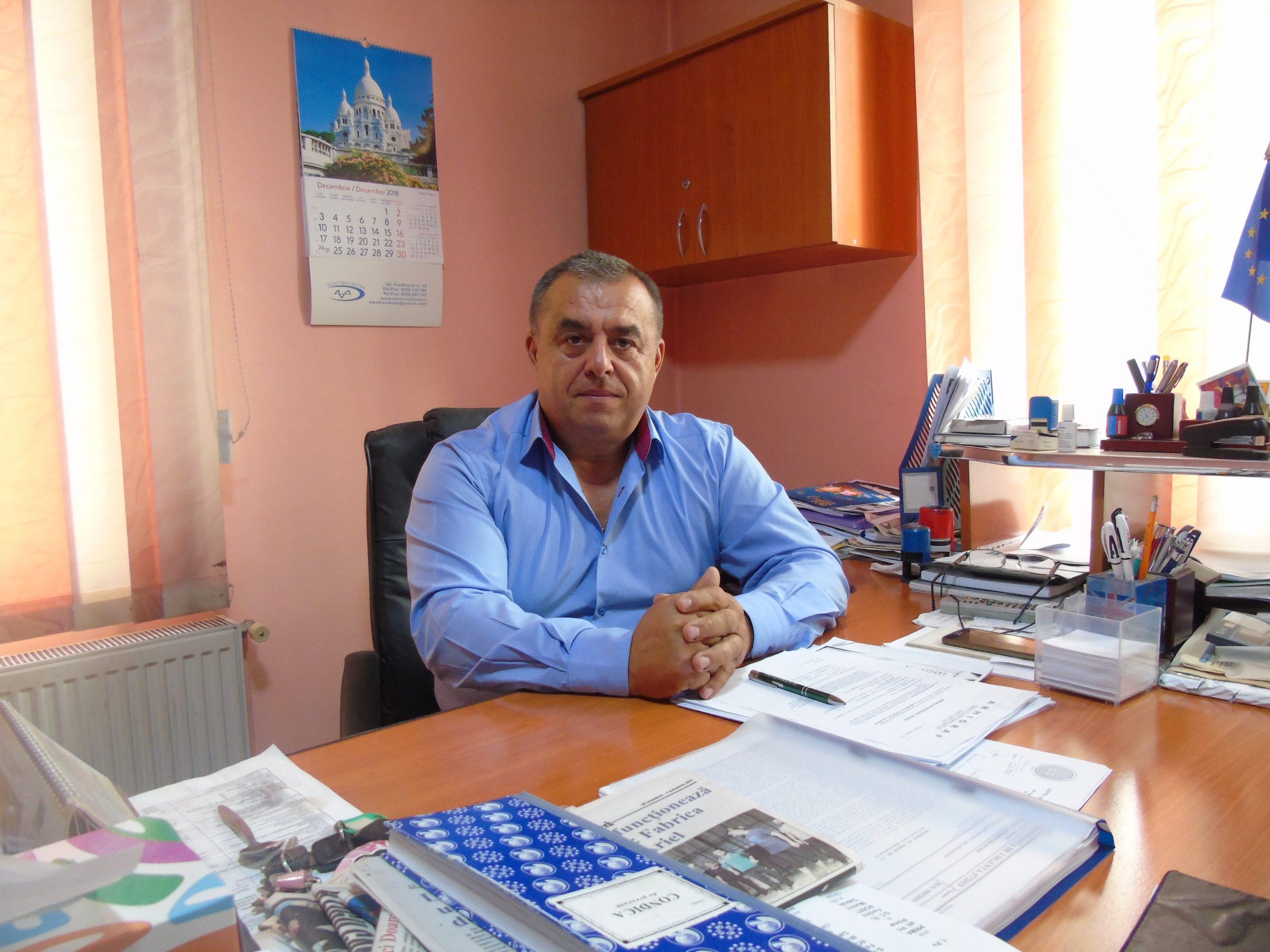 """Daniel Muşat: """"Pentru înfiinţarea reţelei de apă în satul Şuricaru se vor aloca bani din bugetul local"""""""