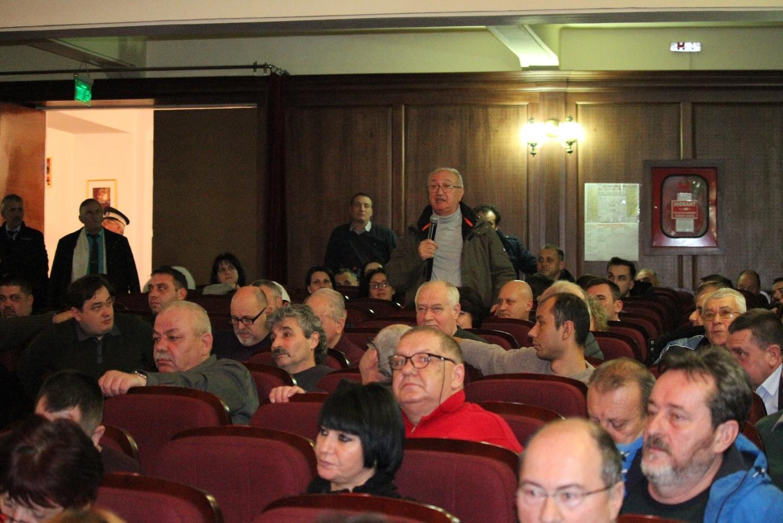 Proiectul de buget local a iscat controverse: locuitorii din Ostroveni nu vor parcare la Casa Tineretului