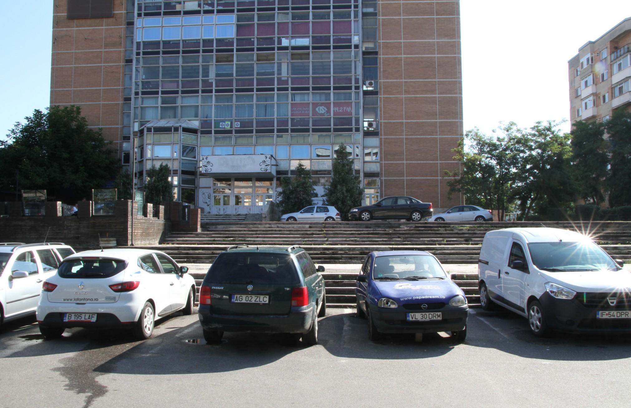 În Ostroveni va fi amenajată o parcare etajată cu 200 de locuri