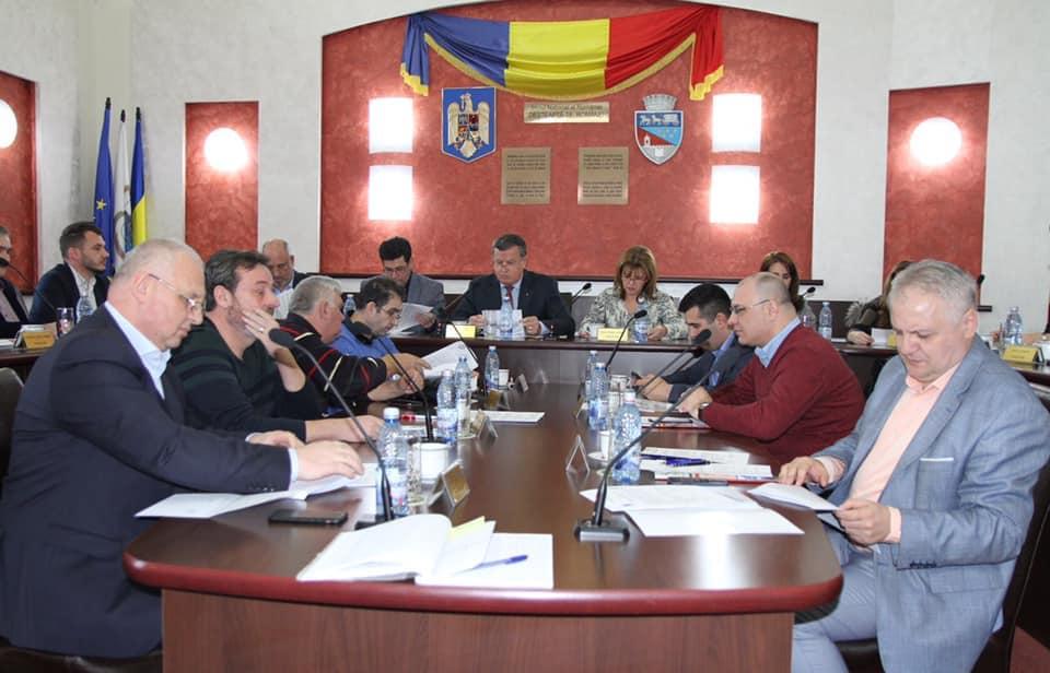 Majorarea tarifelor la salubrizare, respinsă din nou în Consiliul Local