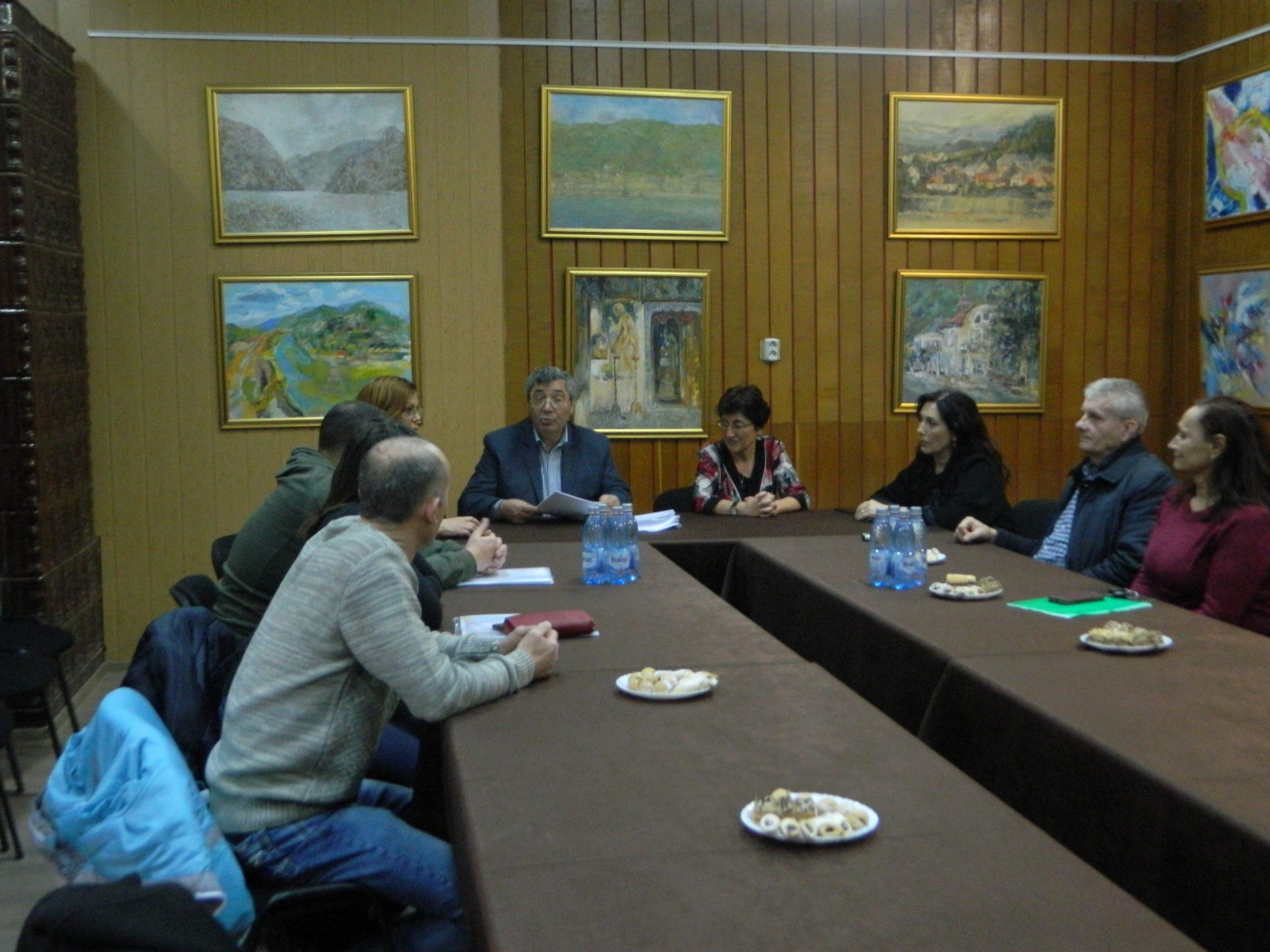 Primăria Călimăneşti, continuă proiectul de combatere a sărăciei şi excluziunii sociale în comunitatea Jiblea Veche