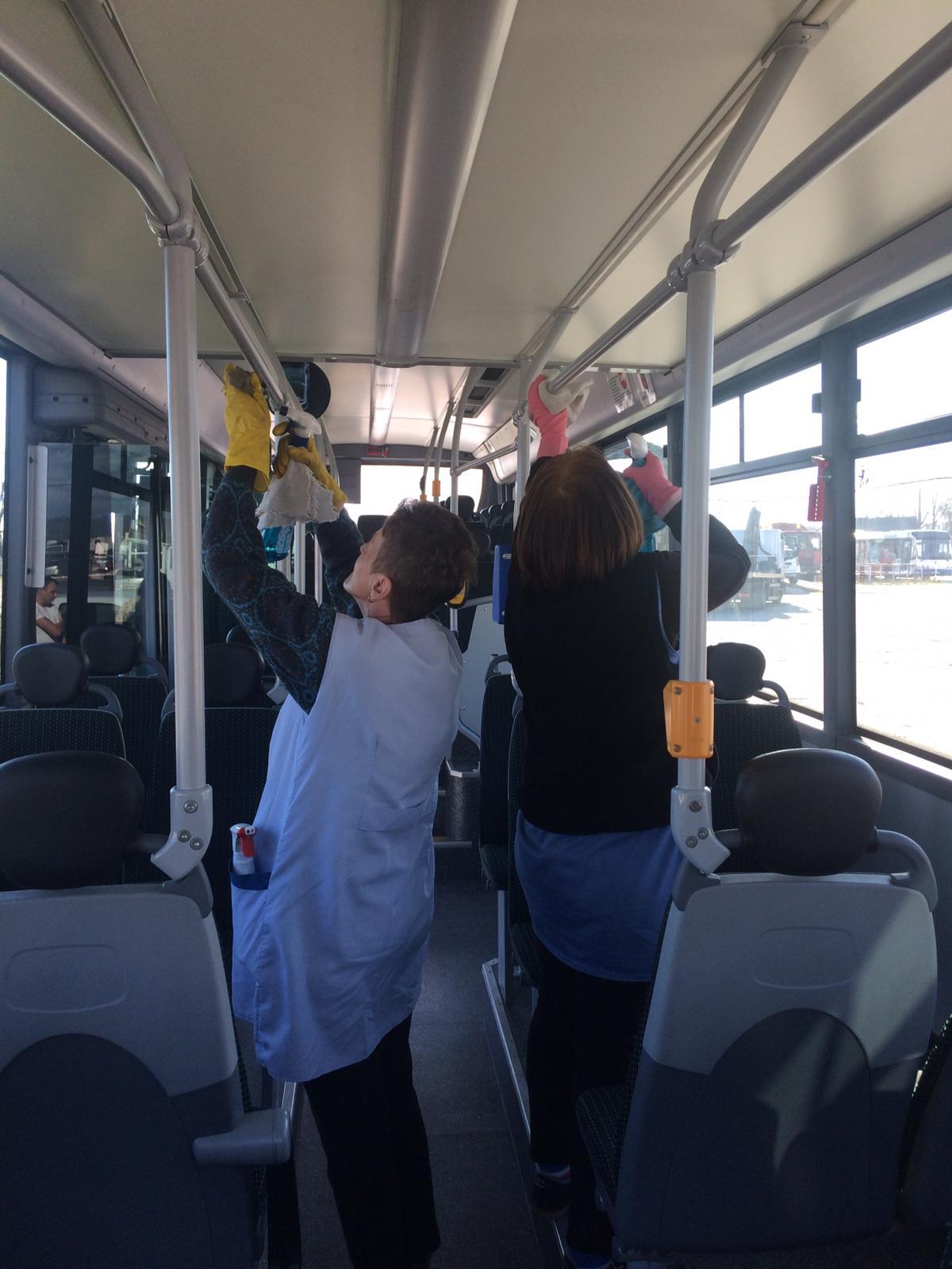 Pentru siguranţa călătorilor, autobuzele şi microbuzele SC ETA SA sunt igienizate suplimentar