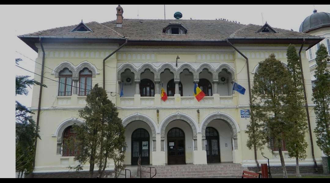 """Primarul oraşului Călimăneşti,  Florinel Constantinescu; """"Situația este sub control"""""""