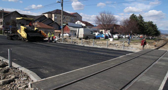 Se reia circulaţia auto la trecerea de cale ferată de pe bd. Nicolae Bălcescu