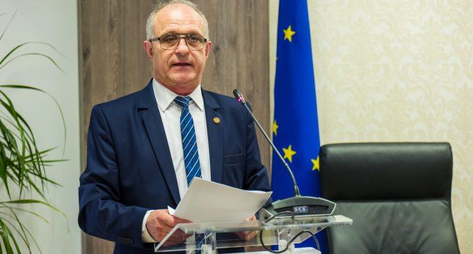 """Deputatul Vasile Cocoş: """"Constantin Rădulescu a demonstrat că este un preşedinte bun"""""""