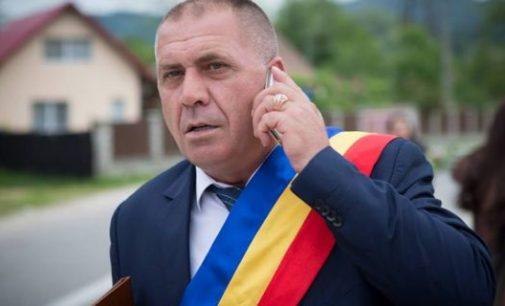 Primarul Gheorghe Dumbravă îi îndeamnă pe cetăţeni să stea acasă