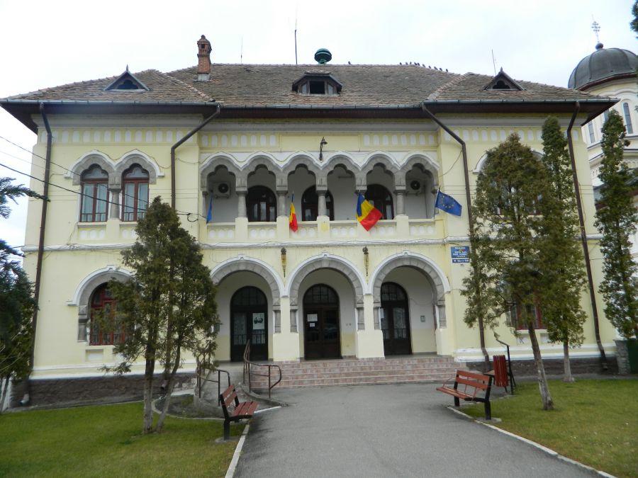 Locuitorii oraşului Călimănești vor beneficia de sisteme de apă și canalizare modernizate