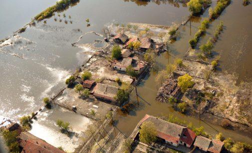 Bani de la Guvern pentru comunele lovite de furia naturii