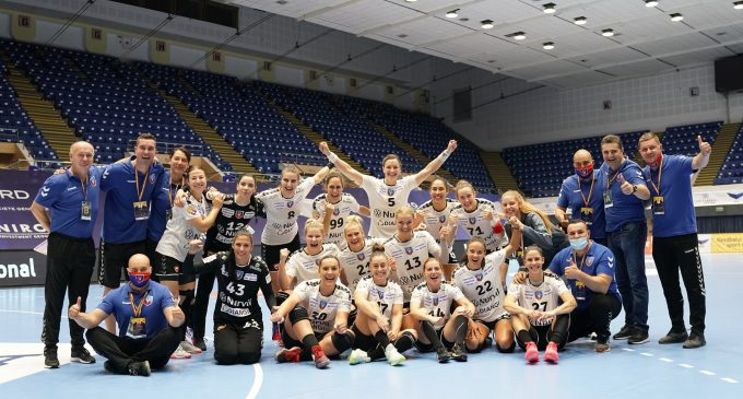 Vâlcea trece de Rapid și va juca finala cu CSM București