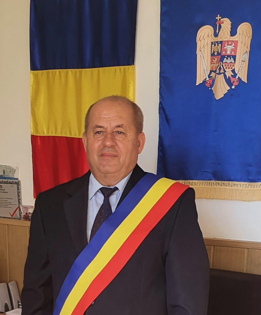 Nicolae Joiţa, învestit în funcţia de primar pentru al treilea mandat