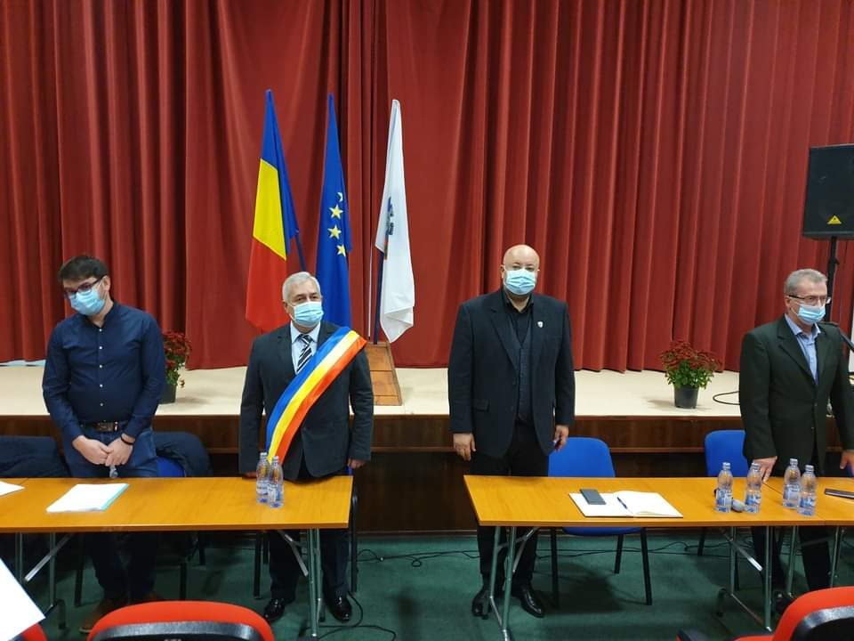 Al doilea mandat consecutiv. Primarul Nicolae Sărdărescu, învestit în funcţie
