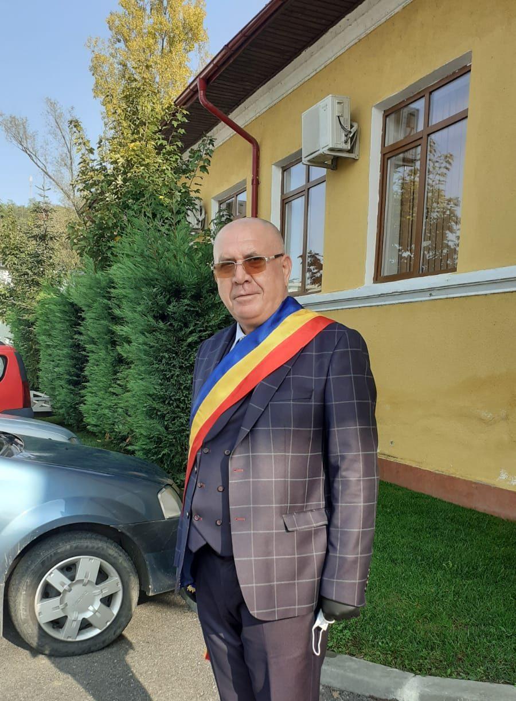 Primarul Gheorghe Dumbravă racordează Stoeneştiul la rețeaua de gaze naturale