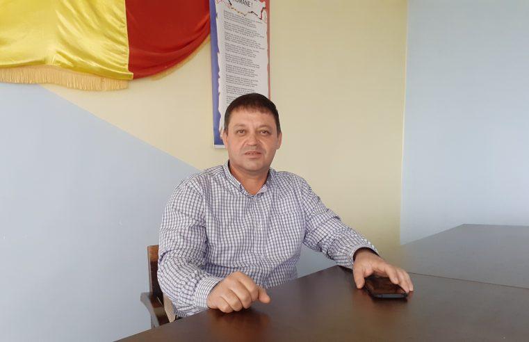 """Landor Moşteanu: """"Îmi doresc să începem activitatea eficient, pe toate palierele, acolo unde comuna are probleme"""""""