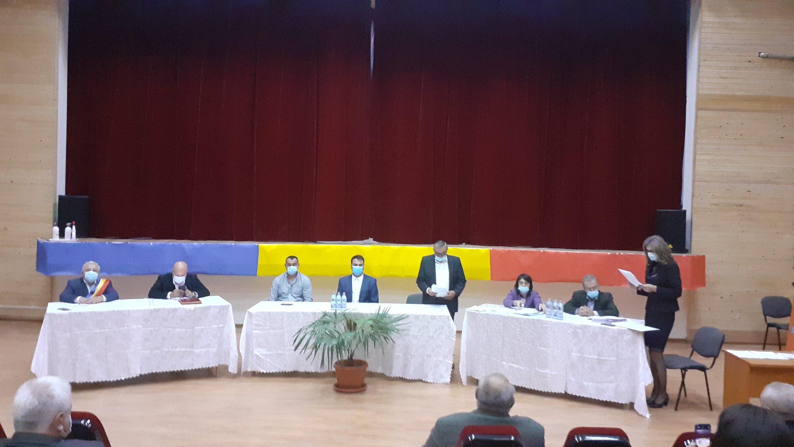 Ştefan Bogdan, primarul reales a oraşului Băbeni a depus jurământul
