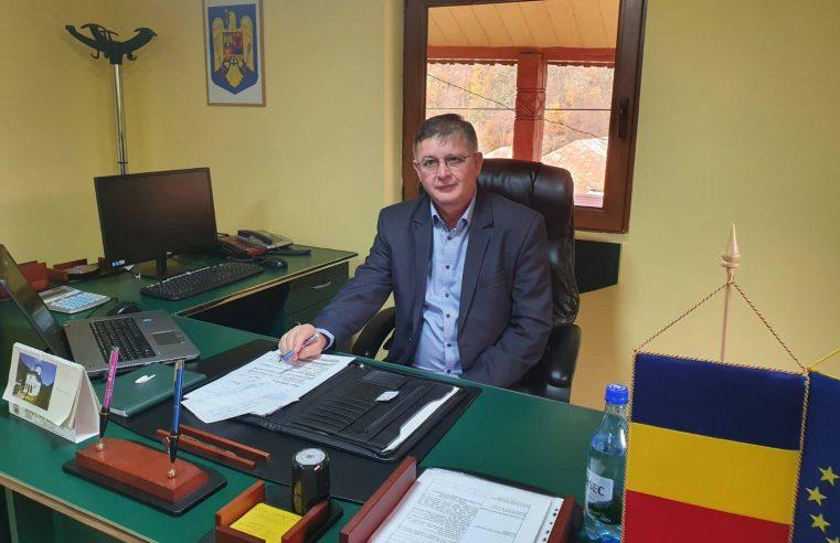 """Primarul localităţii Mălaia, Gheorghe Dinculescu: """"Să lăsăm faptele să vorbească"""""""