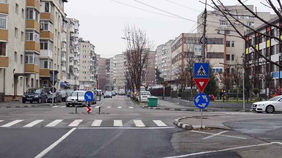 Primăria decide să rezolve doar 2 din numeroasele probleme din trafic – Noi sensuri giratorii și semafoare cu buton în Ostroveni