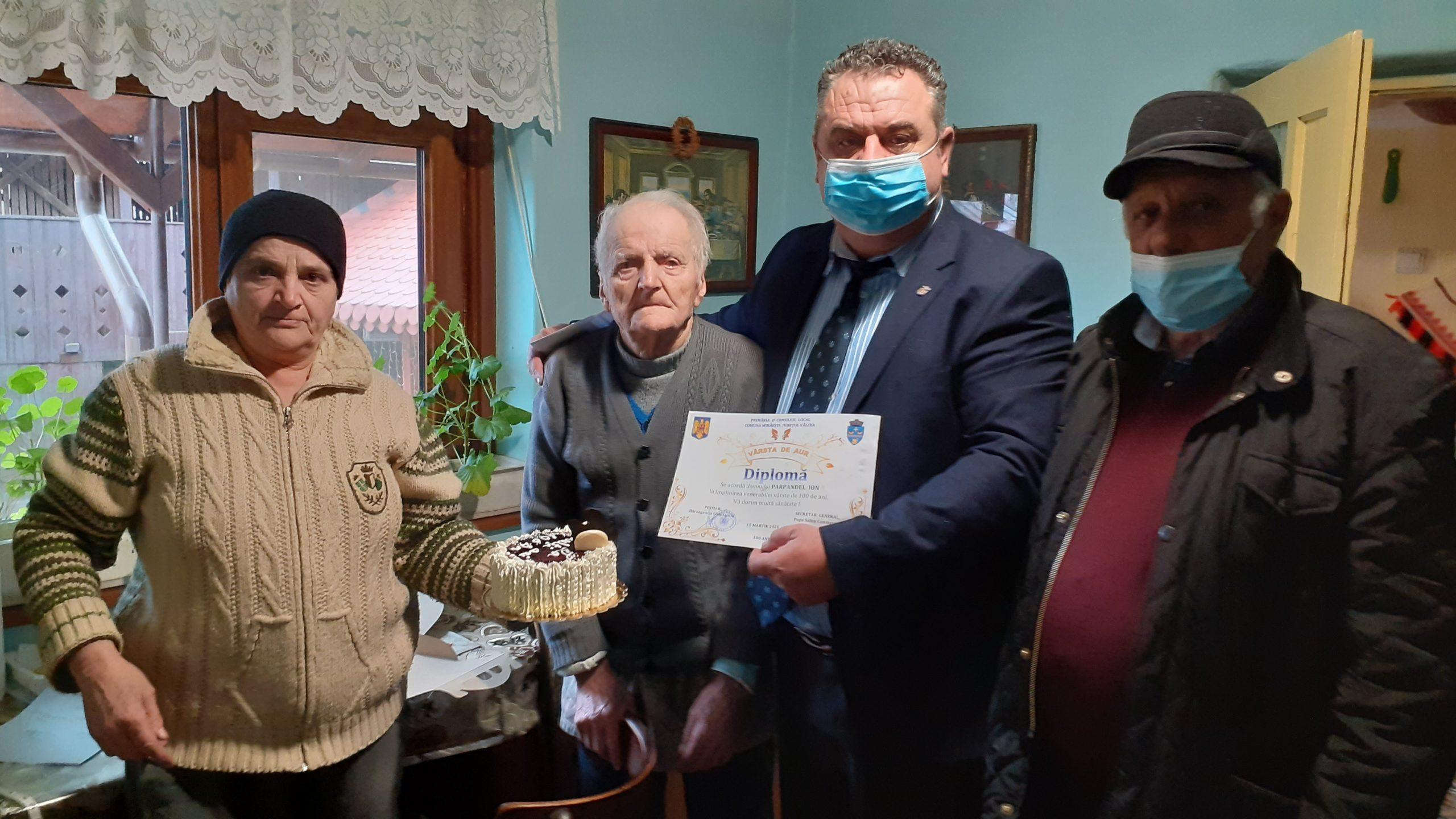 Veteran de război din Mihăeşti, sărbătorit la a 100-a aniversare