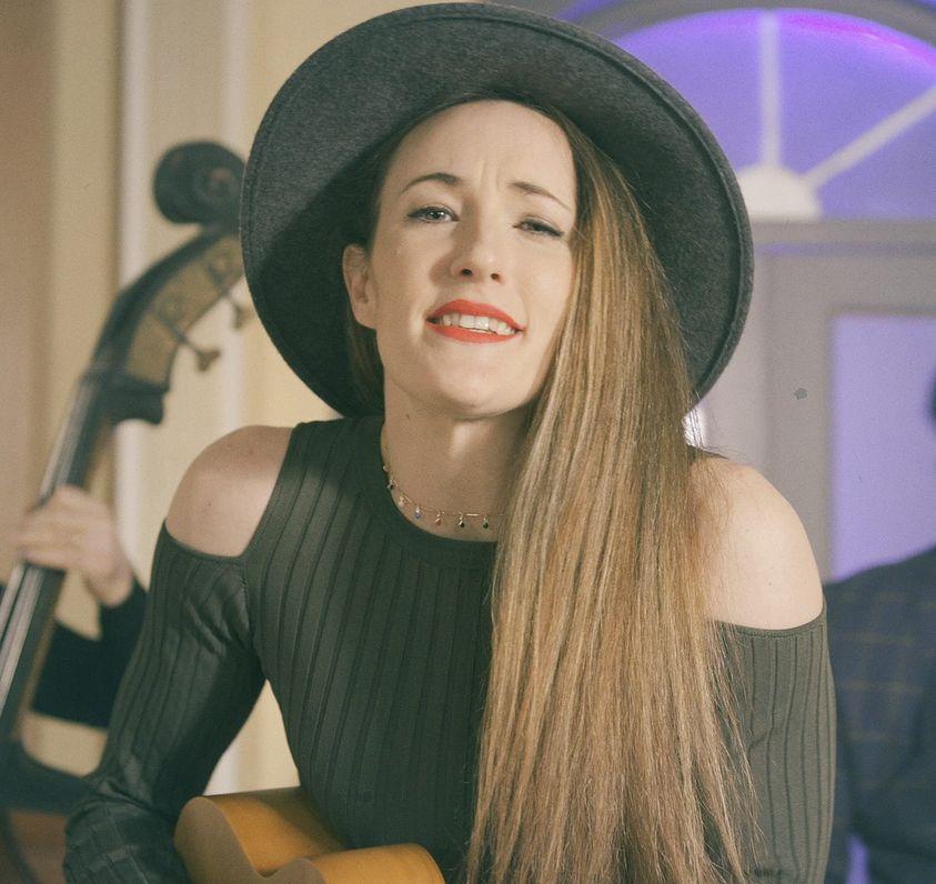 "Kiki Liscevic și-a lansat a doua piesă, intitulată ""Song you like"""
