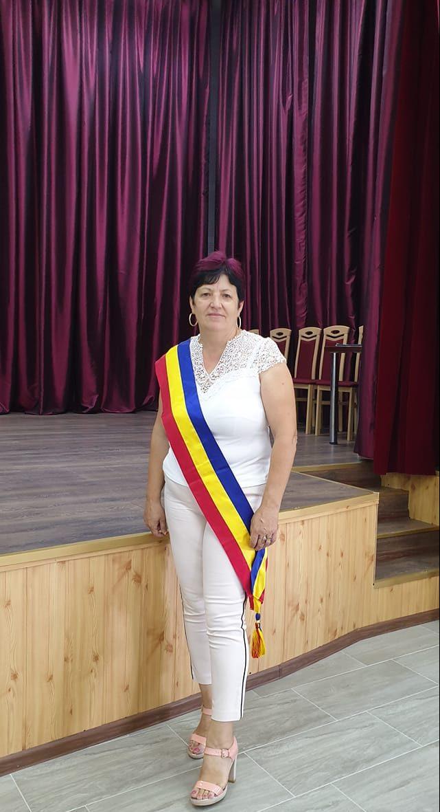 """Aurora Măgura: """"Preşedintele Consiliului Judeţean a ales să împartă echitabil """"sărăcia"""" primită de la Guvernul Liberal"""""""