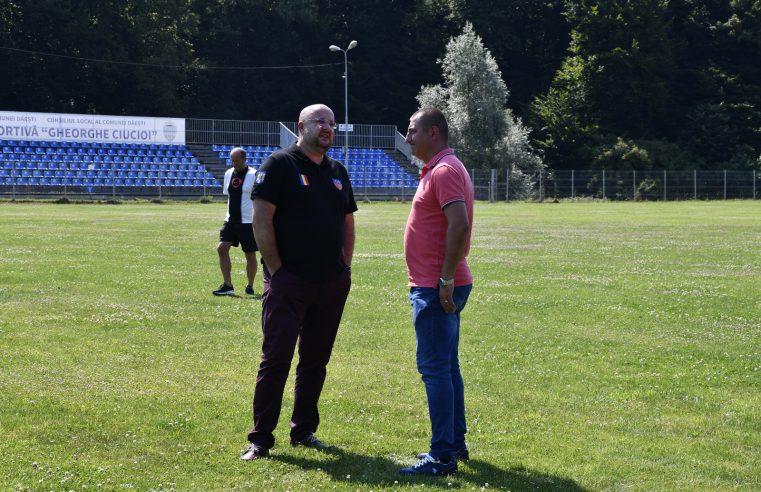 Parteneriat între CJ Vâlcea şi Primăria Dăeşti pentru susţinerea fotbalului