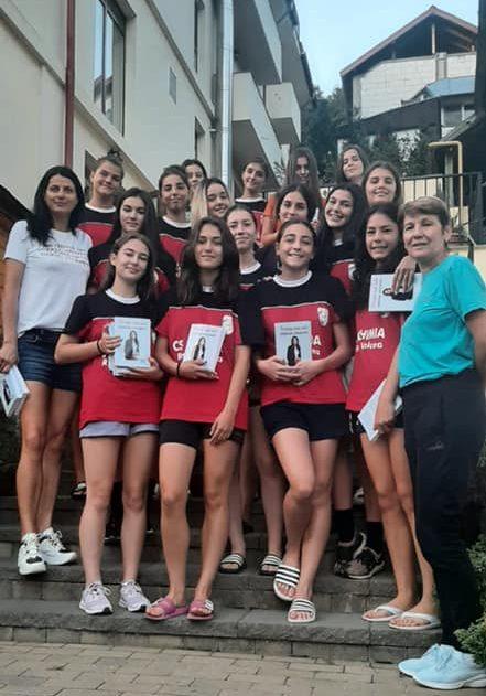 Narcisa Lecușanu le-a vizitat în cantonament pe fetele de la Chimia