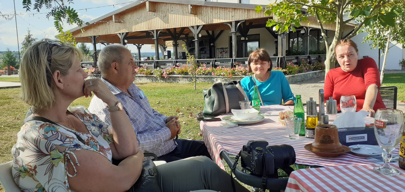 Autorităţile din Lăpuşata au primit o vizită a reprezentanţilor Fundaţiei ADR-Vlaanderen, Belgia
