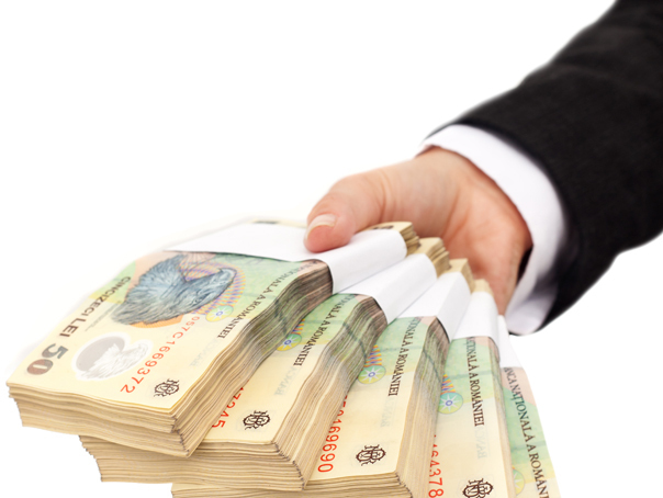 """Pentru împărțirea banilor către administraţiile publice locale, Executivul a aplicat regula de aur """"cine împarte, parte-și face"""""""