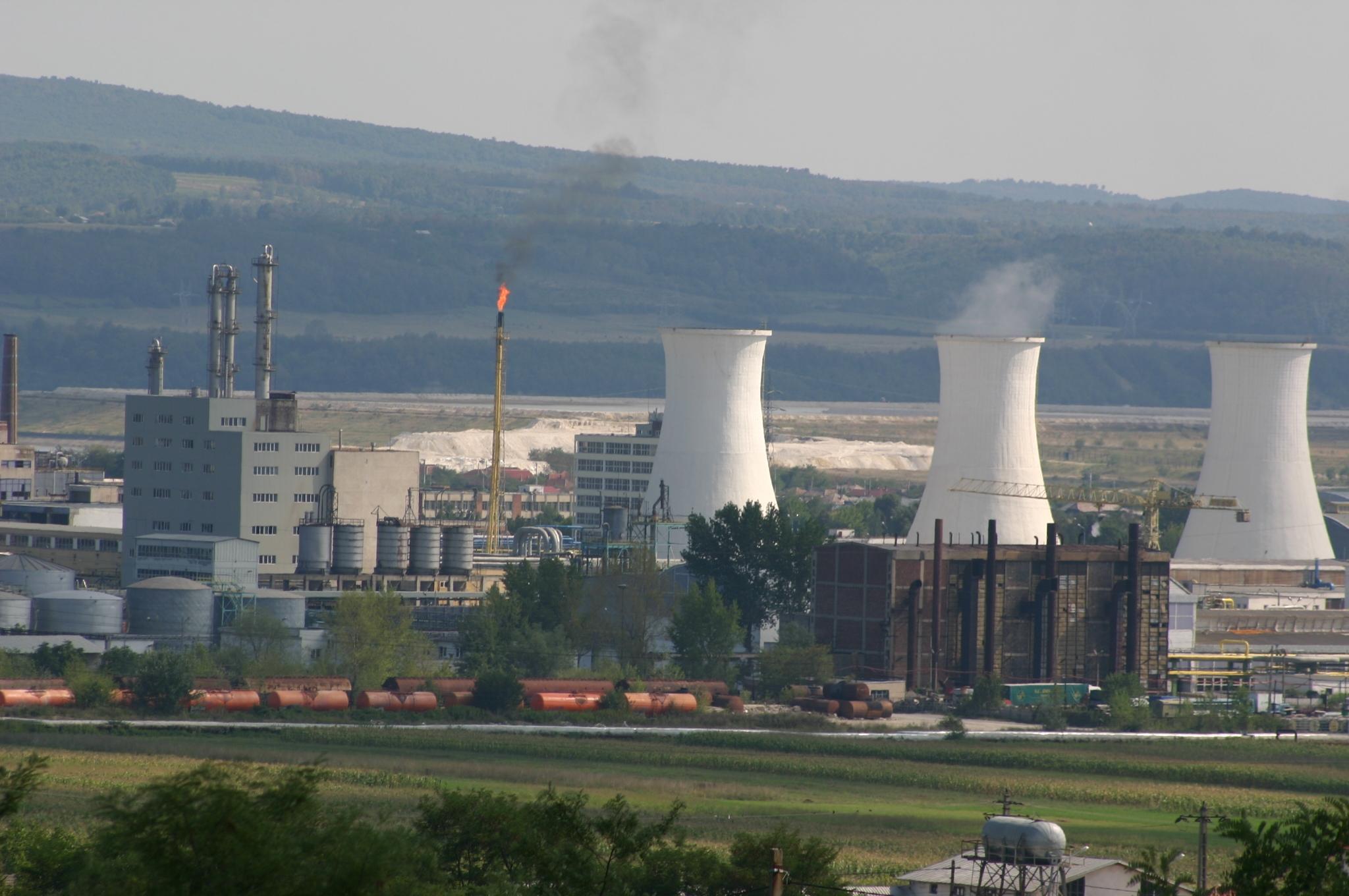Termenul de depunere a ofertelor în vederea achiziţionării Oltchim SA, amânat pentru data de 6 iulie 2017