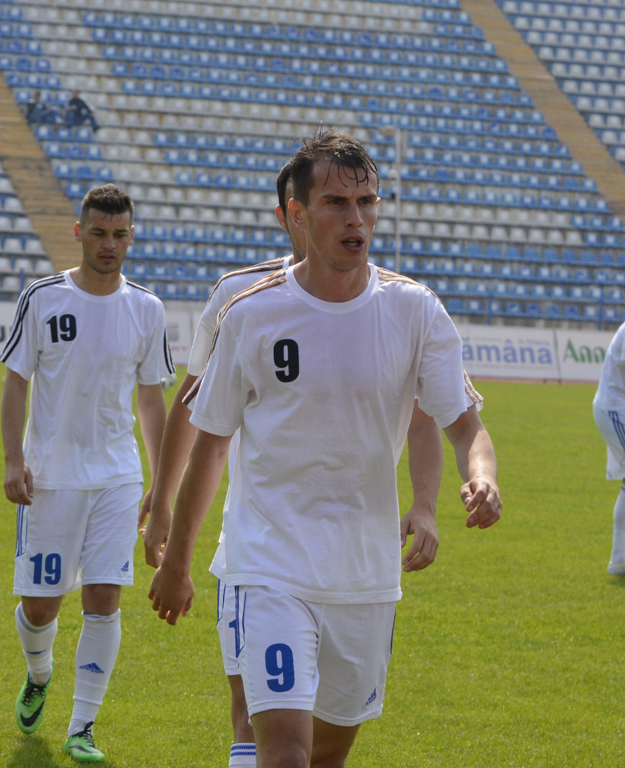 Adi Popa, antrenor-jucător la Flacăra Horezu!