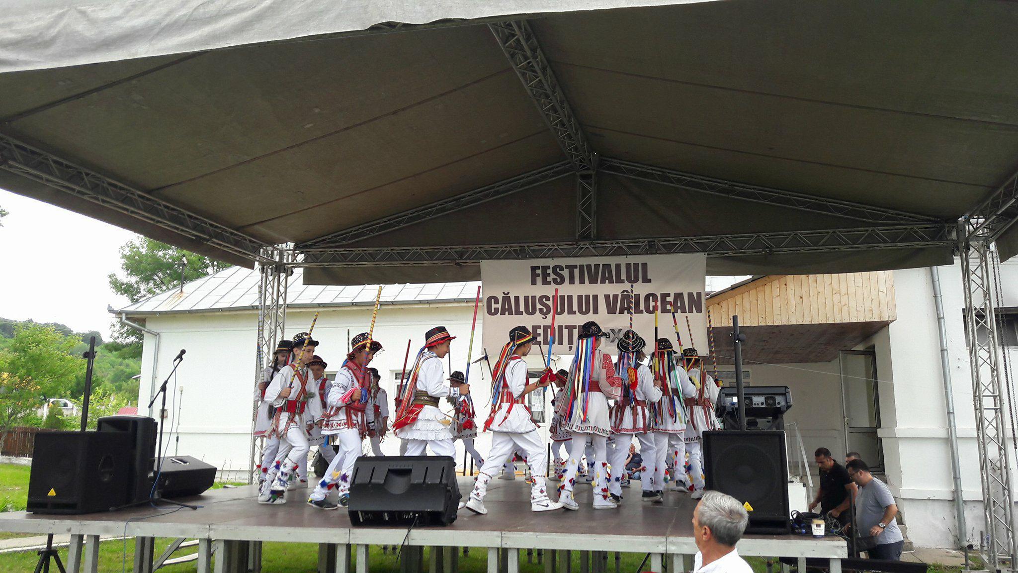 Jocul căluşarilor în ziua de Rusalii, o tradiţie la Şirineasa
