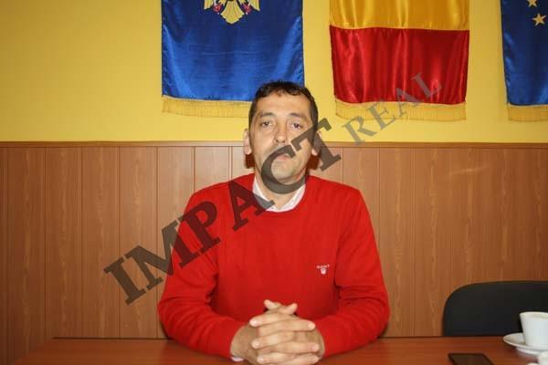 """Florin Ionescu: """"În cei şase ani am reuşit să mişcăm lucrurile, în comună"""""""