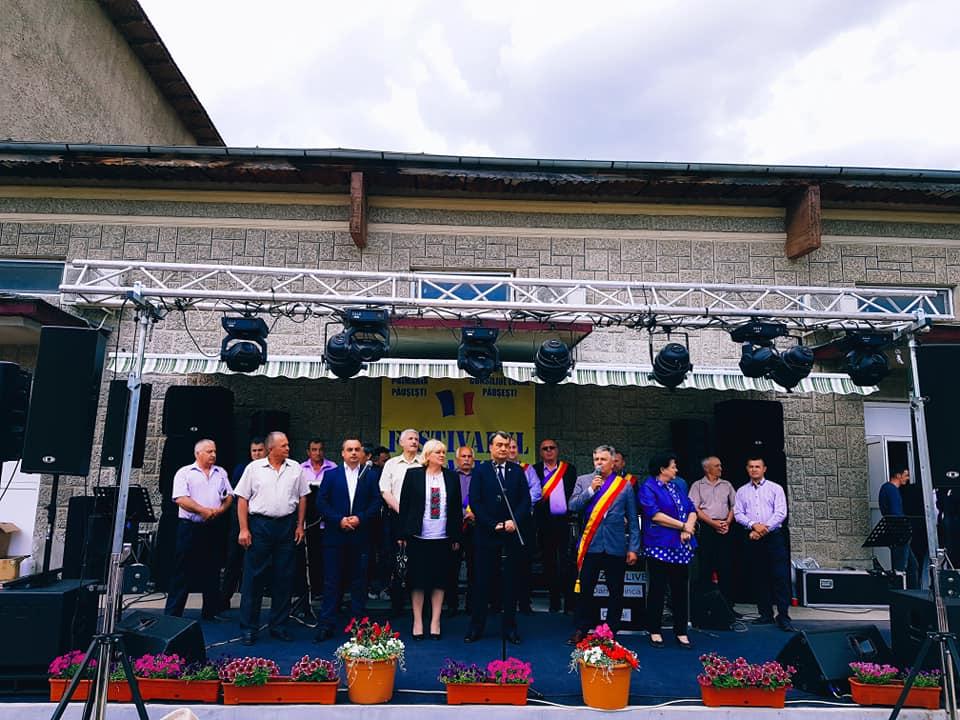 """Comuna Păușești, în sărbătoare. """"Glasul Otăsăului"""" a marcat pe 21 Mai cea de-a XX-a ediție"""