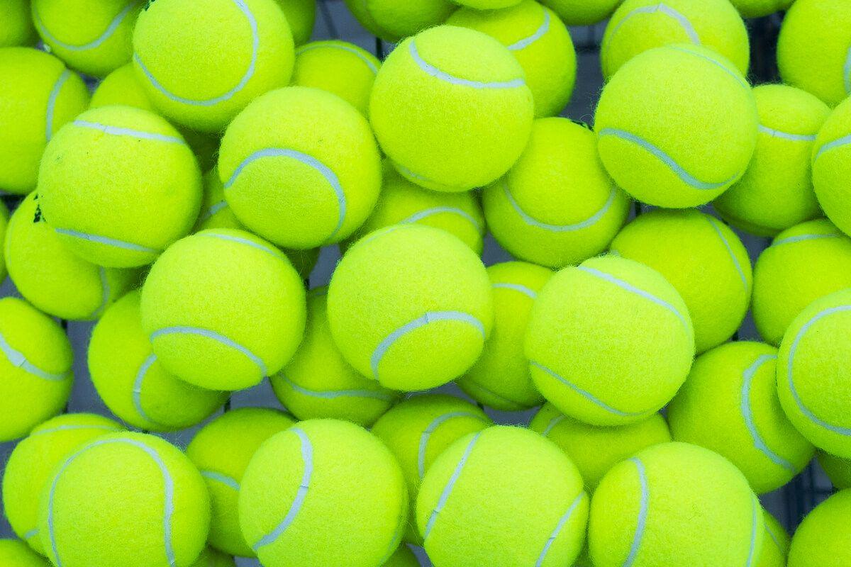 AFLĂ ACUM ce trebuie să conțină echipamentul de tenis