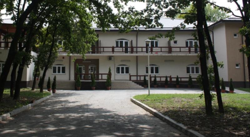 Vârstnicii fără aparținători vor rămâne în continuare la căminul de bătrâni din Ostroveni