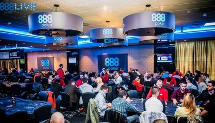 5 diferențe intre poker-ul online si poker-ul live