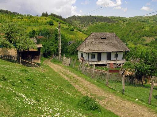 Popeşti, localitatea unde satele sunt muzee în aer liber