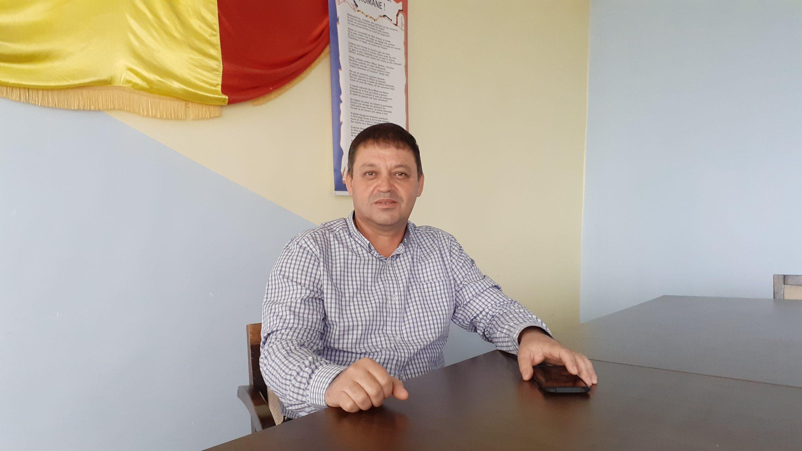 """Landor Moşteanu: """"Orice metru de asfalt este binevenit pentru comunitatea noastră"""""""