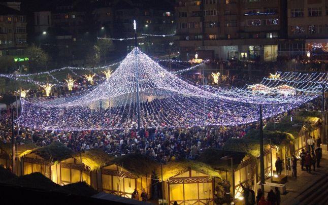 Râmnicu Vâlcea este printre puţinele oraşe din ţară unde se organizează Târgul de Crăciun