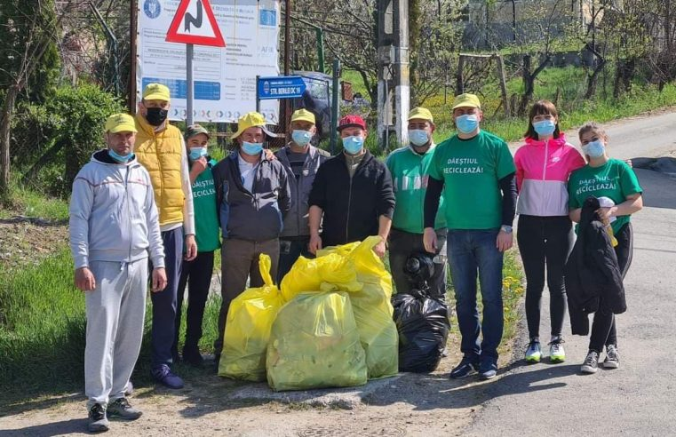 Primăria Dăești a organizat ziua de igienizare a comunei