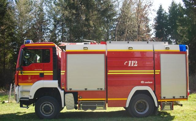 Două autospeciale de stingere cu apă și spumă au fost alocate Detașamentului de Pompieri Râmnicu Vâlcea și Detașamentului de Pompieri Drăgășani.