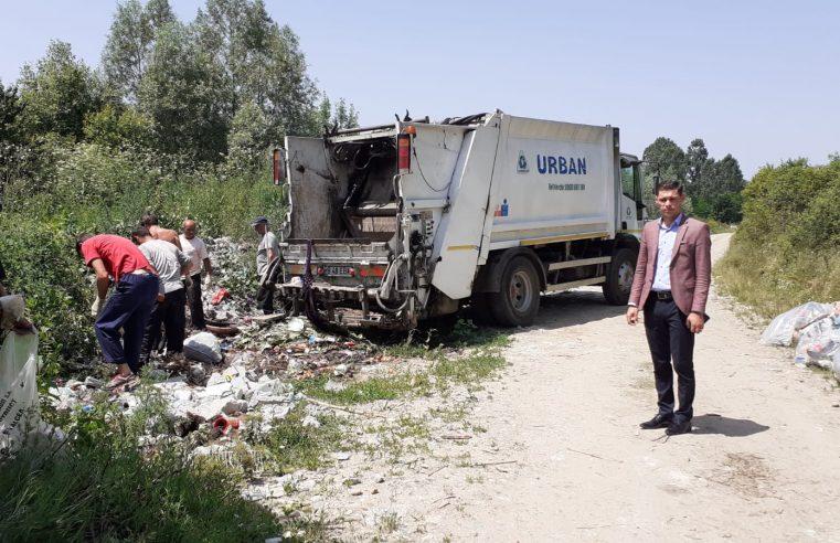 Primăria Şuşani desfăşoară o amplă acţiune de ecologizare a zonelor limitrofe din localitate