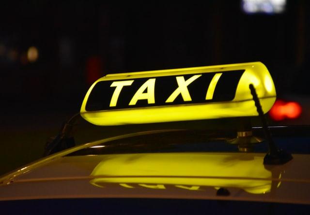 Vâlcea: Amenzi de peste 16.000 de lei pentru taximetrişti