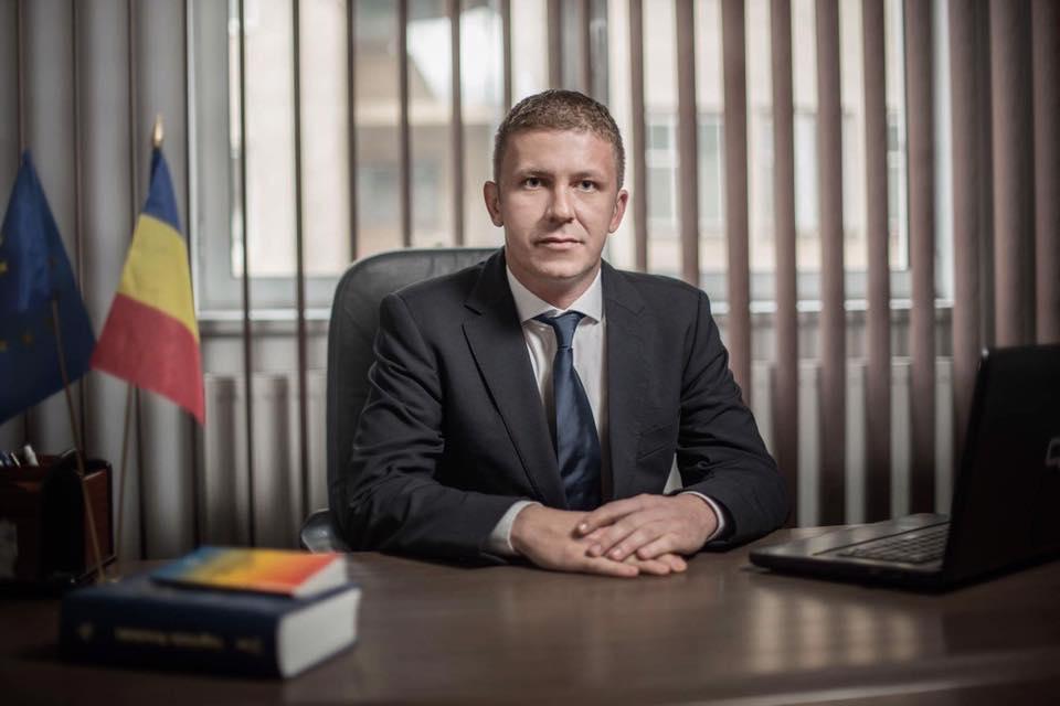 Subprefectul Achim Robert din Vâlcea, demis. Victor Stănculescu vorbește despre situația încinsă de la București